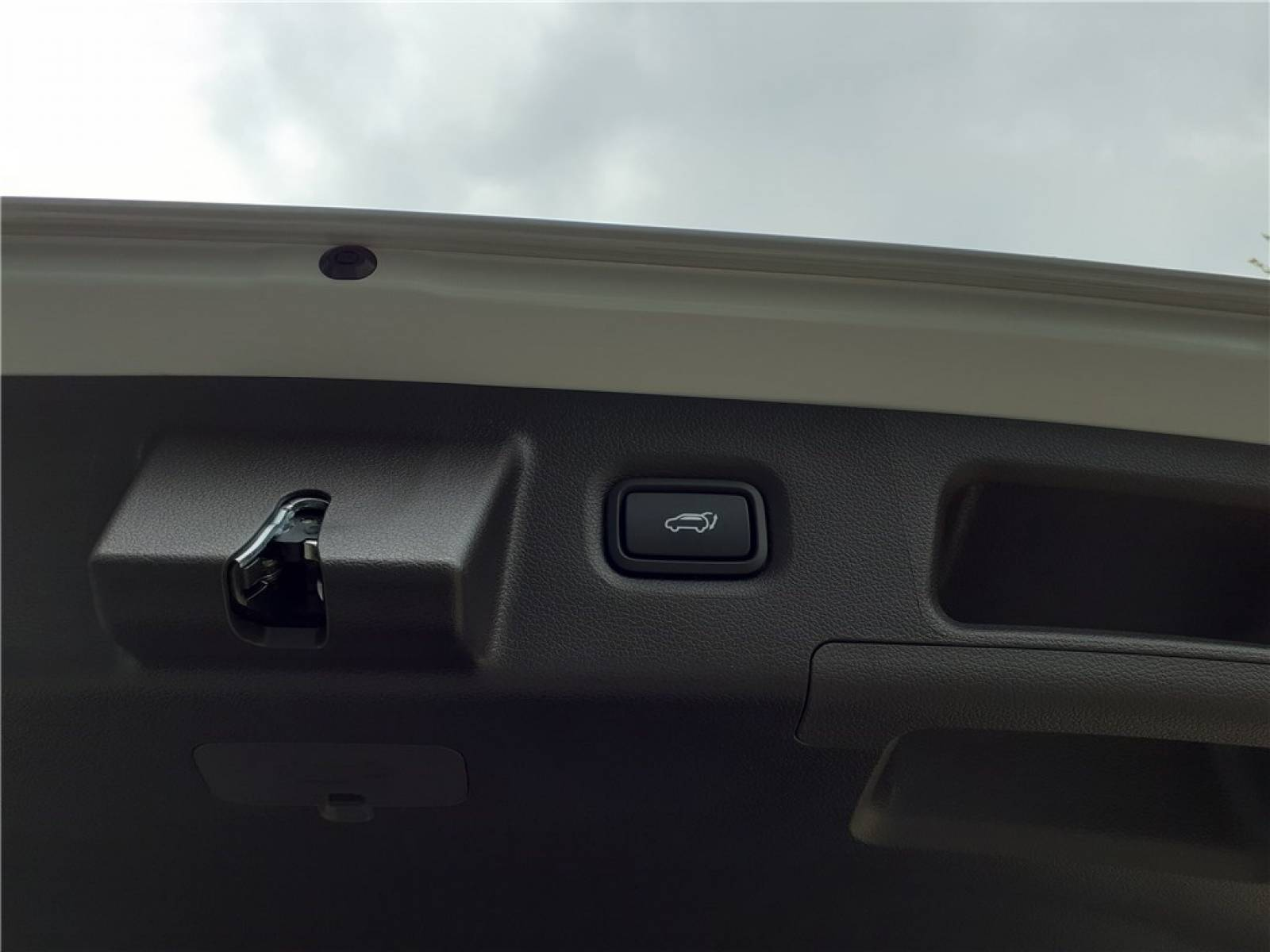 HYUNDAI Santa Fé 1.6 T-GDi Plug-in 265 HTRAC BVA6 - véhicule d'occasion - Groupe Guillet - Chalon Automobiles - 71100 - Chalon-sur-Saône - 58